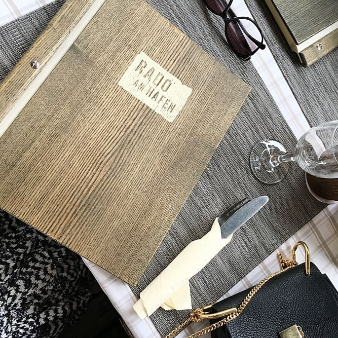 hamburg-hafen-stilwerk-rado-restaurant-boconcept-grosse-elbstrasse-interior-designer-leuchten-004