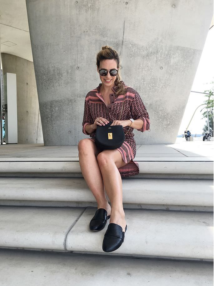 hamburg-hafencity-mules-zara-jasper-living-louise-lederjacke-oakwood-chloe-drew-crossboday-handtasche-lespecs-half-moon-magic-010