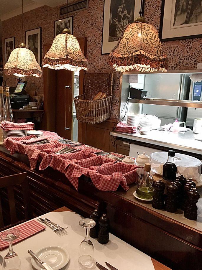 restaurant-hamburg-bistro-leplatdujour-neustadt-essen-franzoesisch-menue-ambiente-speisekarte-spezialitaeten-open-table-bewertung-michelin-005