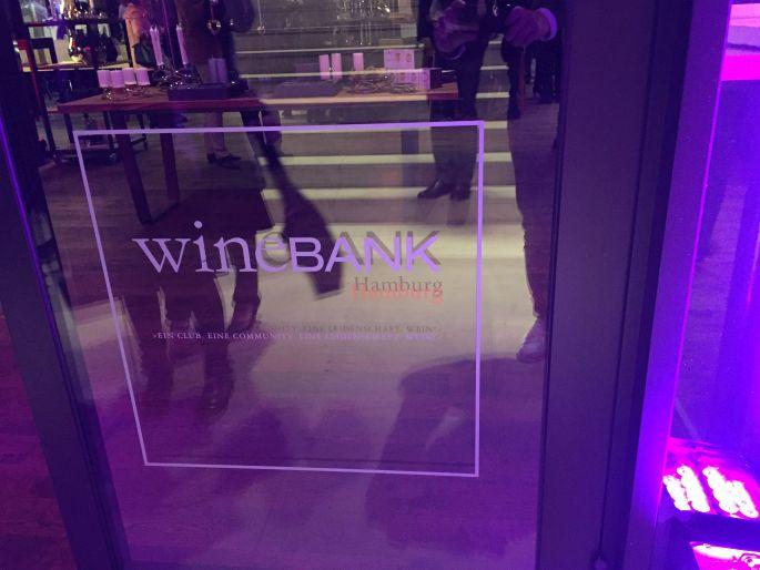 winebank-hamburg-georg-jensen-uhren-vasen-schalen-kerzenhalter-living-tarantella-stephansplatz-wein-champagner-malbec-kaiken-treffpunkt-exklusiv-fingerfood-011