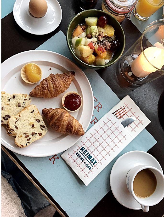 25hours-hotel-hafencity-hamburg-ueberseeallee-restaurant-heimat-bar-ahoi-kreuzfahrtterminal-elbphilharmonie-001