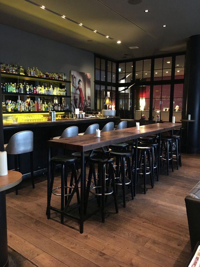 the-george-designhotel-hotel-hamburg-uebernachten-aussenalster-alster-tipp-reisetipp-restaurant-bar-st-georg-englischer-garten-dachterrasse-feuerwerk-japanisches-kirschbluetenfest-006