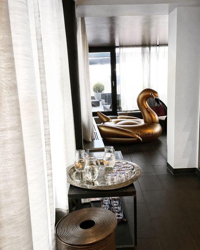 the-george-designhotel-hotel-hamburg-uebernachten-aussenalster-alster-tipp-reisetipp-restaurant-bar-st-georg-englischer-garten-dachterrasse-feuerwerk-japanisches-kirschbluetenfest-017