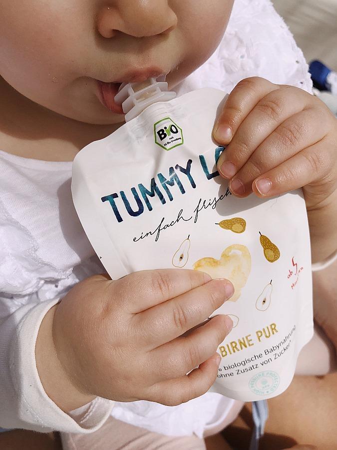 Baby mit Tummy Love Beikost