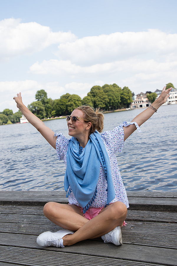 Zwillingsherz Hamburg Blogger Favoriten Dreieckstuch blau