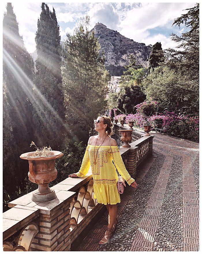 Off Shoulder Blusen & Kleider kombinieren - Ausflug nach Taormina - Sizilien