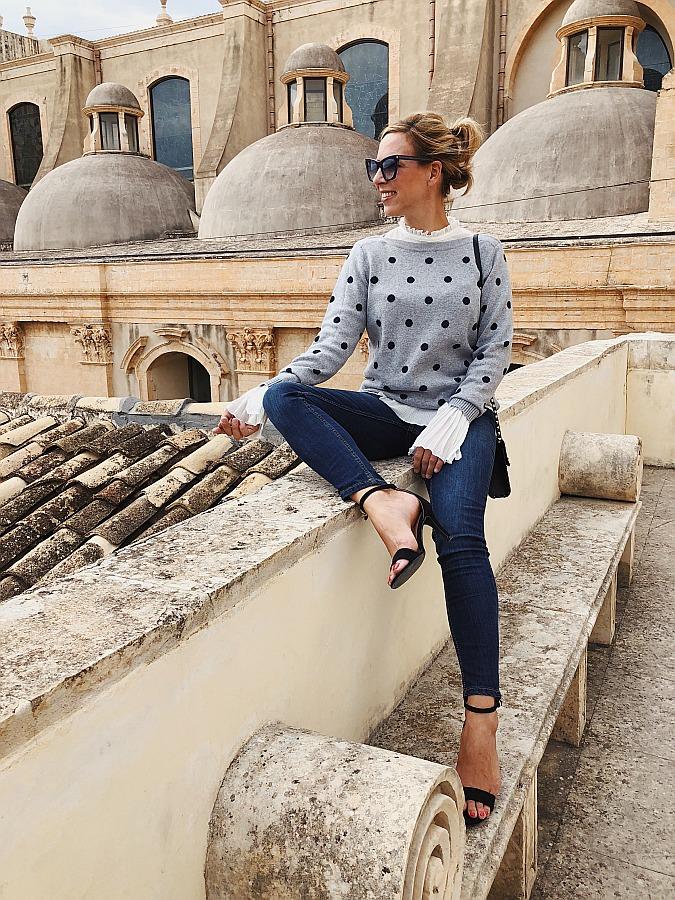 Dark Denim Jeans Guide Cecil Slim Fit Polkadot Sweatshirt Valentino Rockstud Noto
