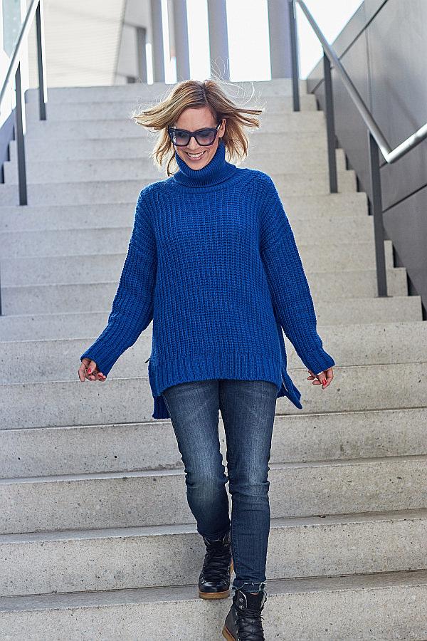 Outfit Inspiration Strick in Royalblau & Jeans von Herrlicher