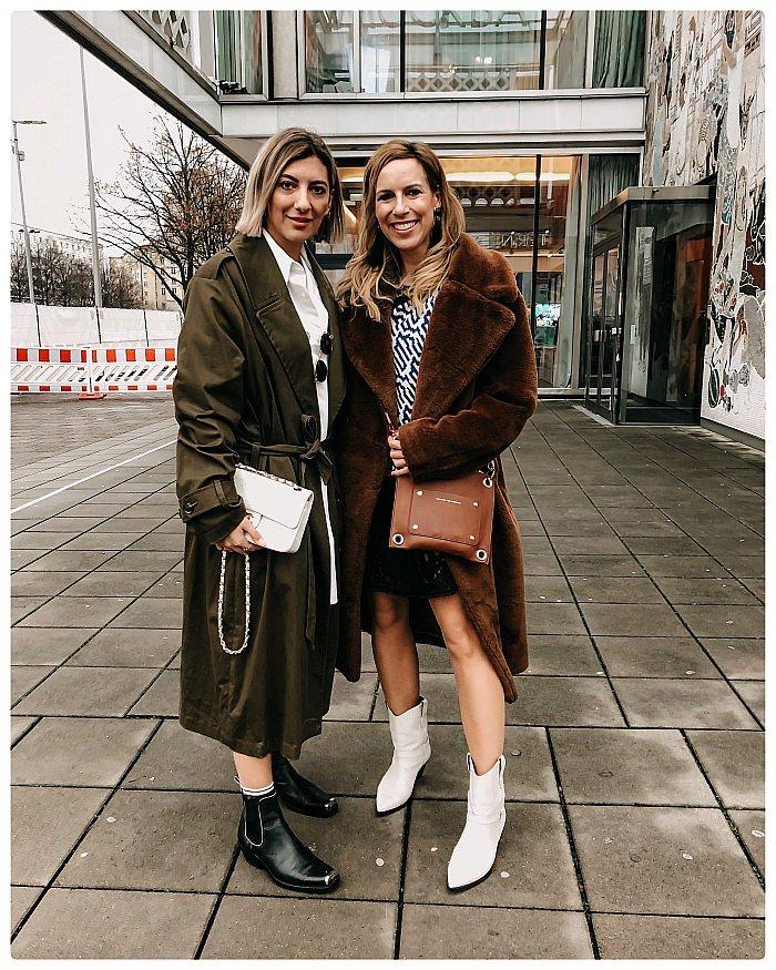 Zwei Bloggerinnen auf der Fashion Week Berlin