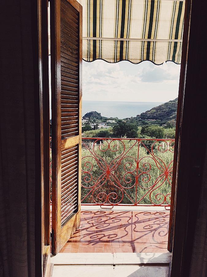 Der Ausblick von der Pensione Casa Gennaro gehört zu den Ischia Sehenswürdigkeiten