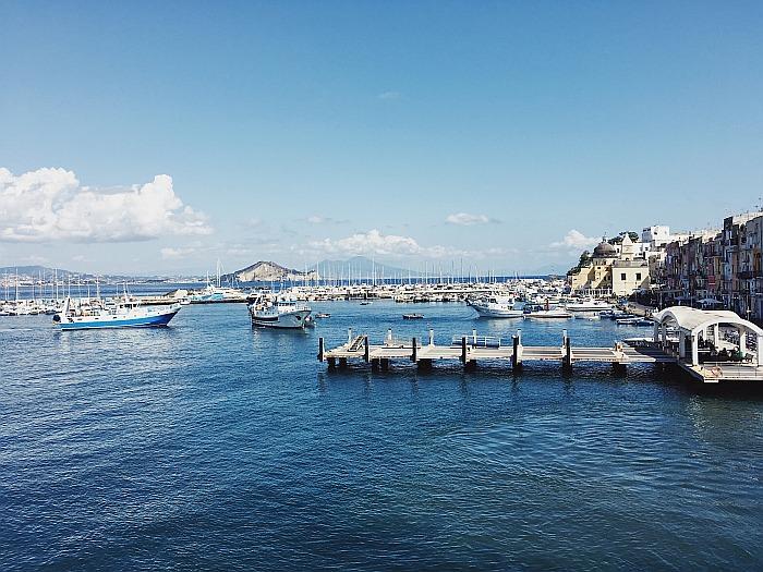 Der Hafen gehört zu den Ischia Sehenswürdigkeiten