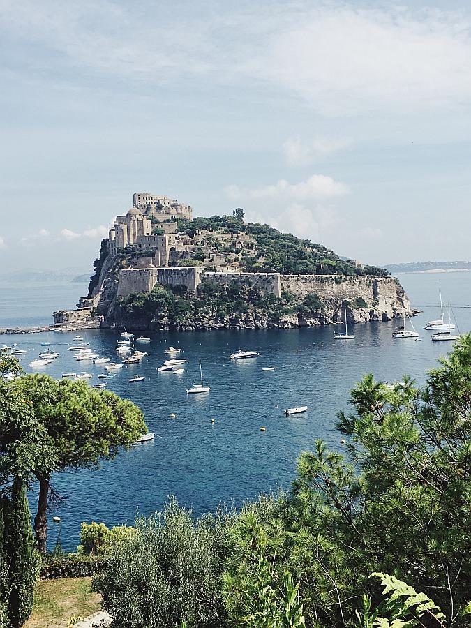 Das Castello Aragonese gehört zu den Ischia Sehenswürdigkeiten