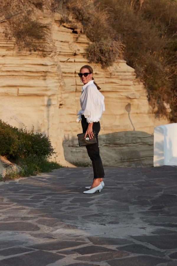 LaShoe V-Neck Pumps und Antonia Bluse von SoSue