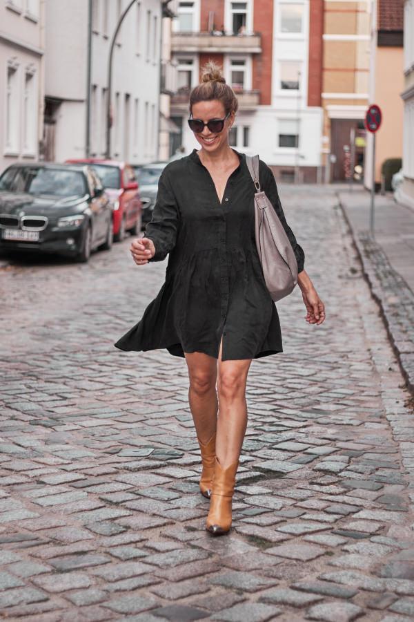 Oui Tunikakleid und Isabel Marant Lamsy Boots