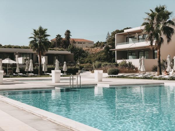 Nebenpool im Avra Imperial Beach Resort & Spa auf Kreta