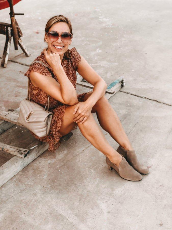 Ankle Boots und Minikleid
