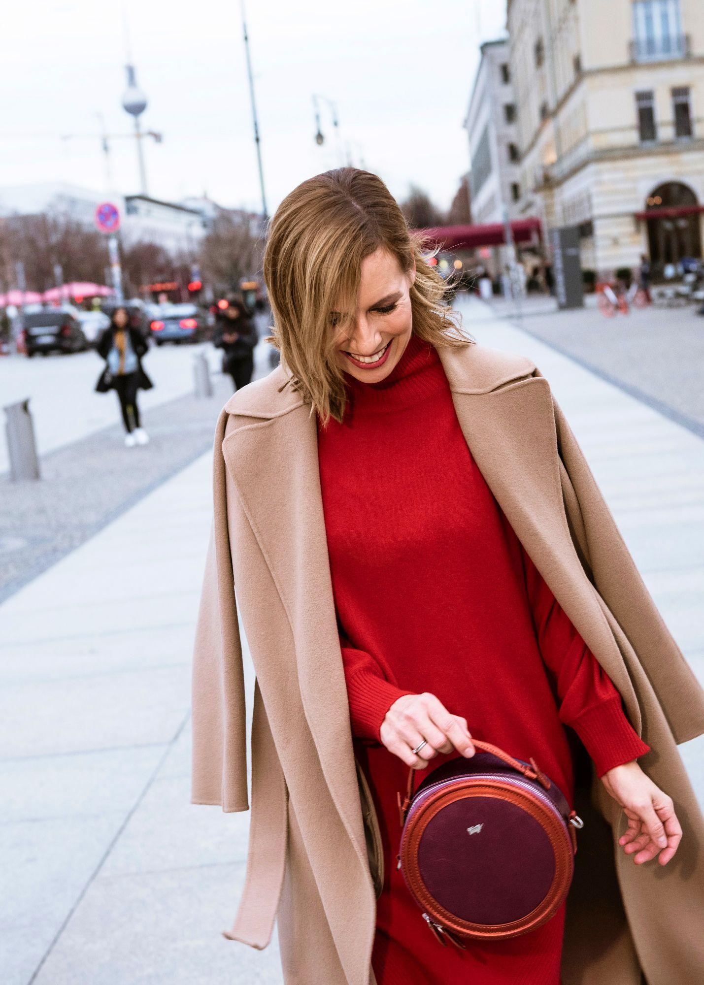 Edelziege Cashmere Kleid rot mit Mantel
