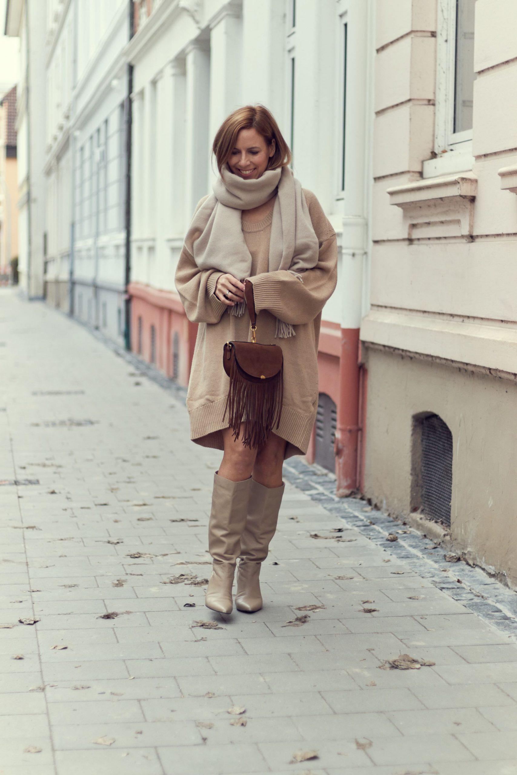 by Aylin König Kleid Camel