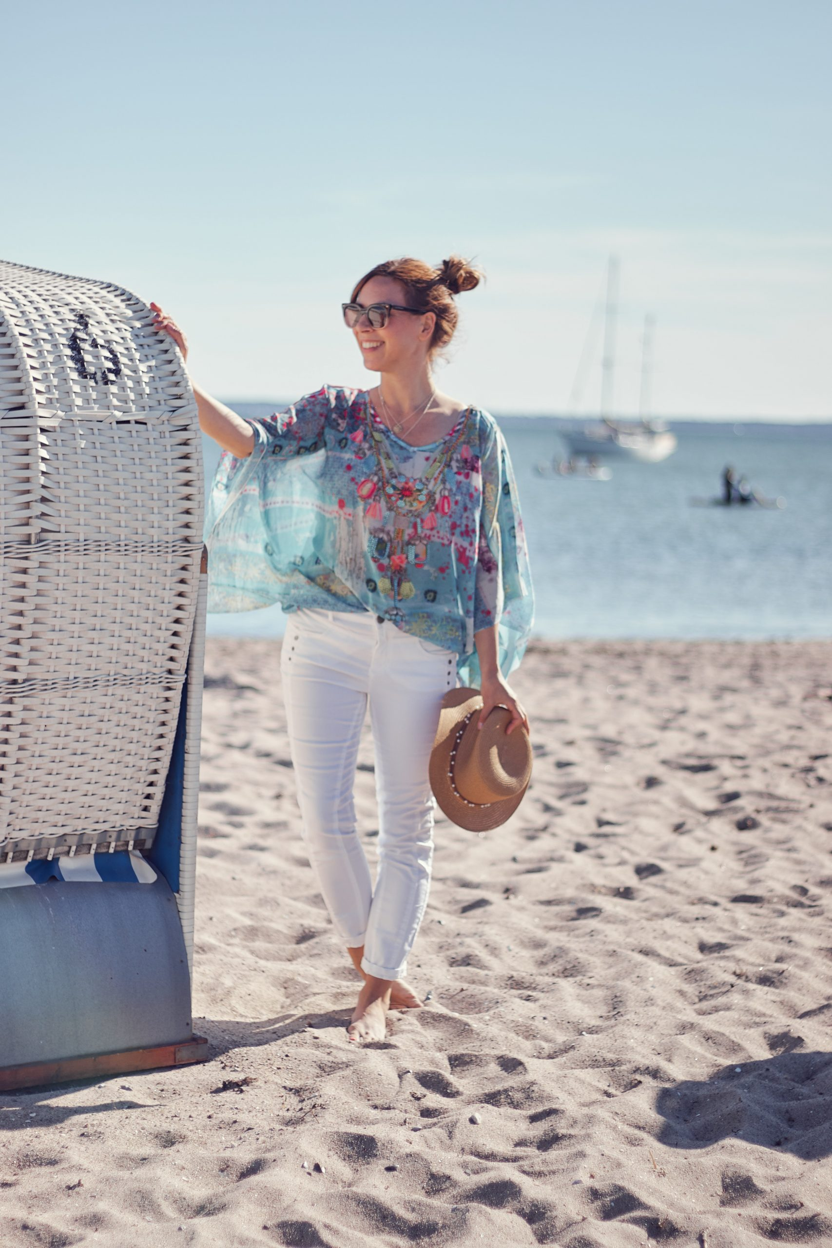 Boho Tunika und weiße Jeans vom Liberty Woman Online Shop