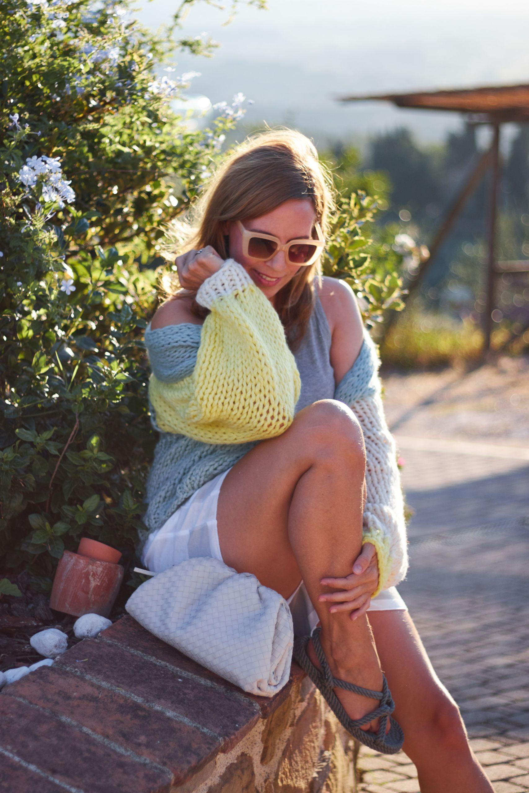 evyinit Premium Strickware Knitwear Cardigan zu Pouch und Shorts in Vinci