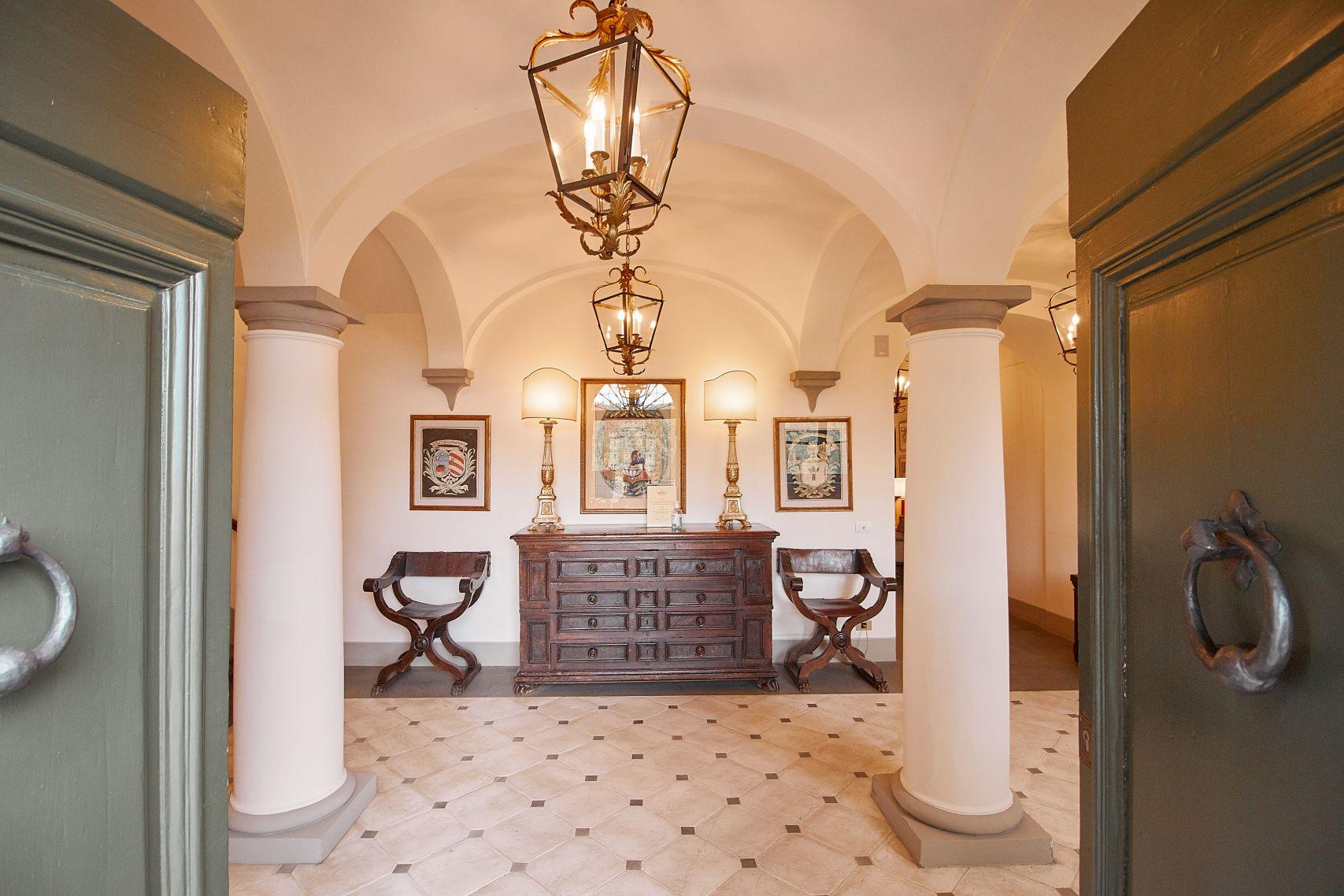 Eingangshalle vom Dievole Wine Resort in Siena als Unterkunft vom Toskana Roadtrip