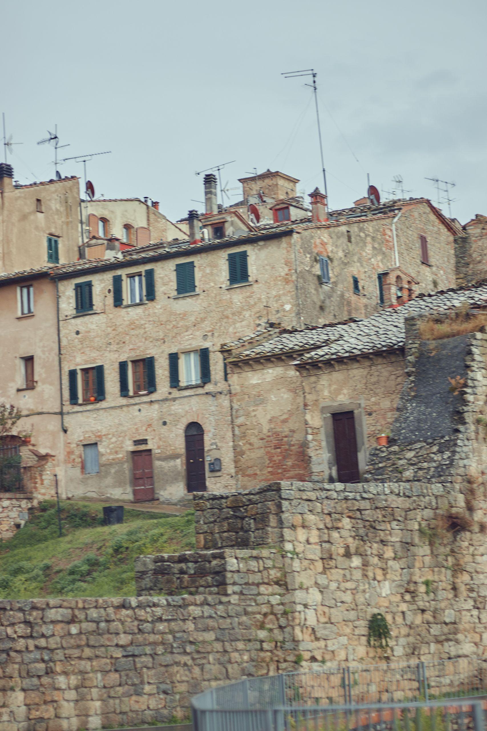 Die mittelalterliche Stadt Volterra als Stopp vom Toskana Roadtrip