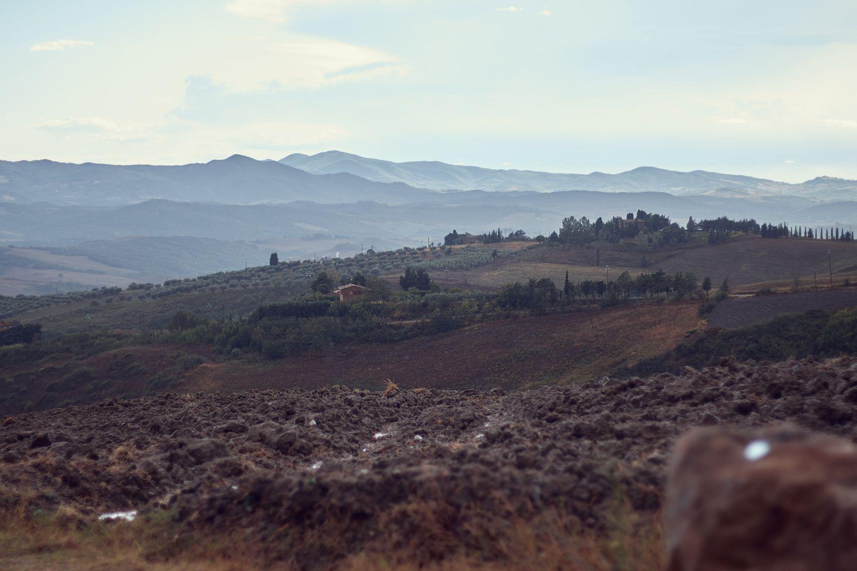 Aussicht auf Volterras spektakuläres Umland beim Toskana Roadtrip