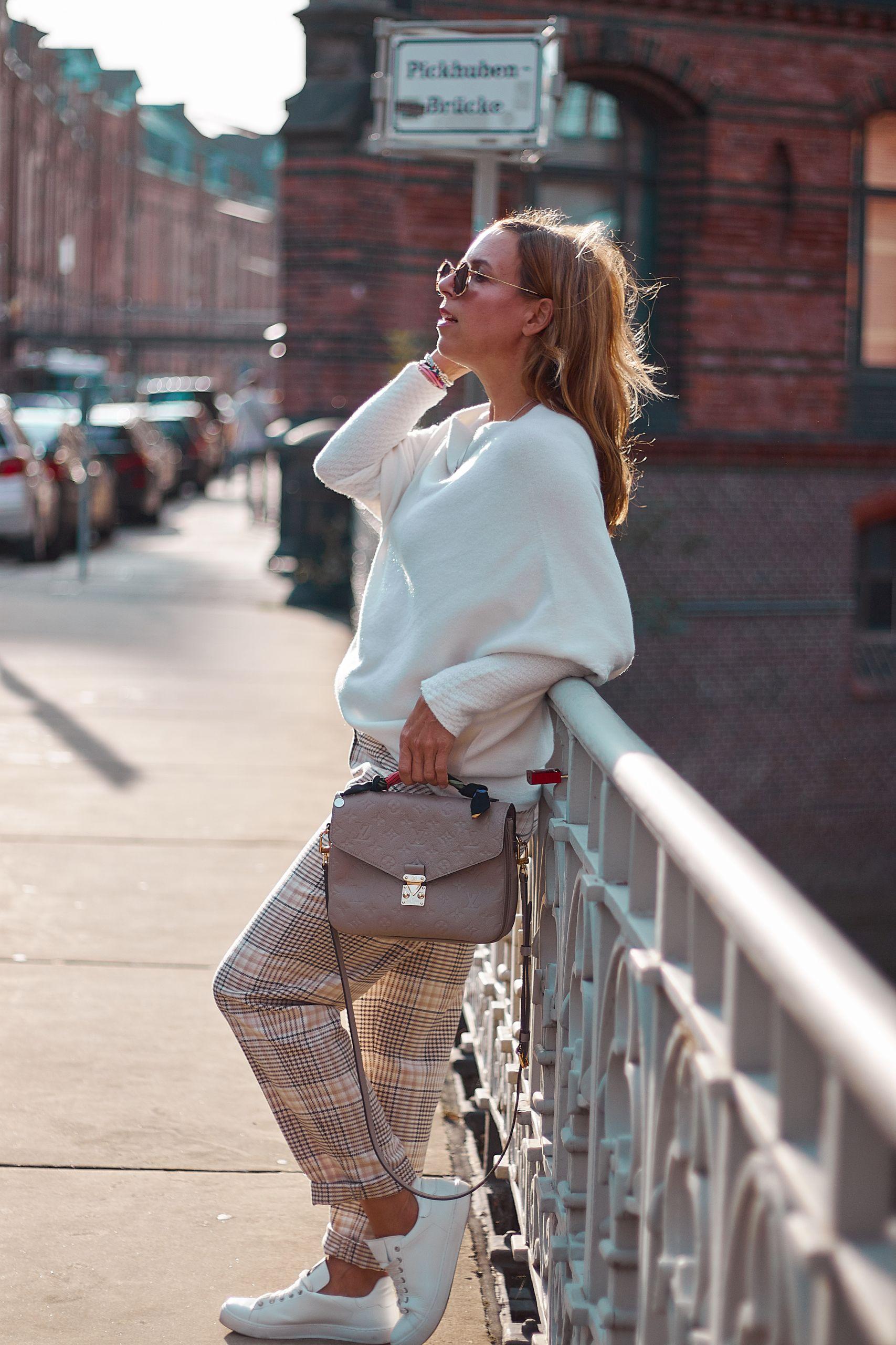 Karohose von Marc Aurel Fashion in der Speicherstadt