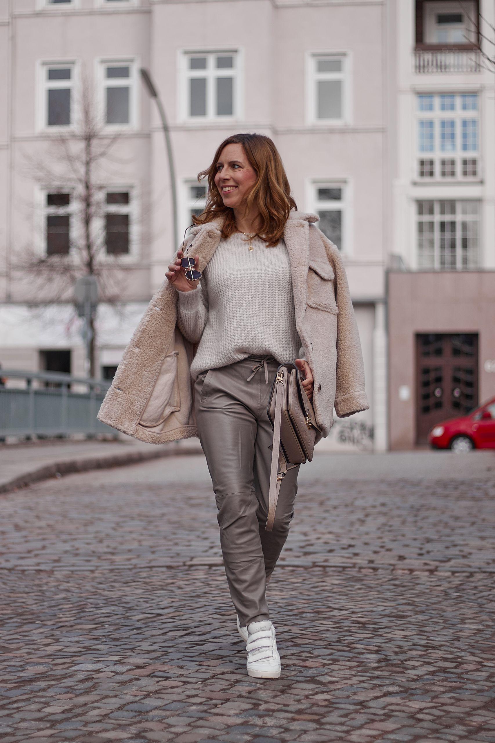 Teddy Jacke Outfit zur Oakwood Lederhose und Pouchette Metis von Louis Vuitton