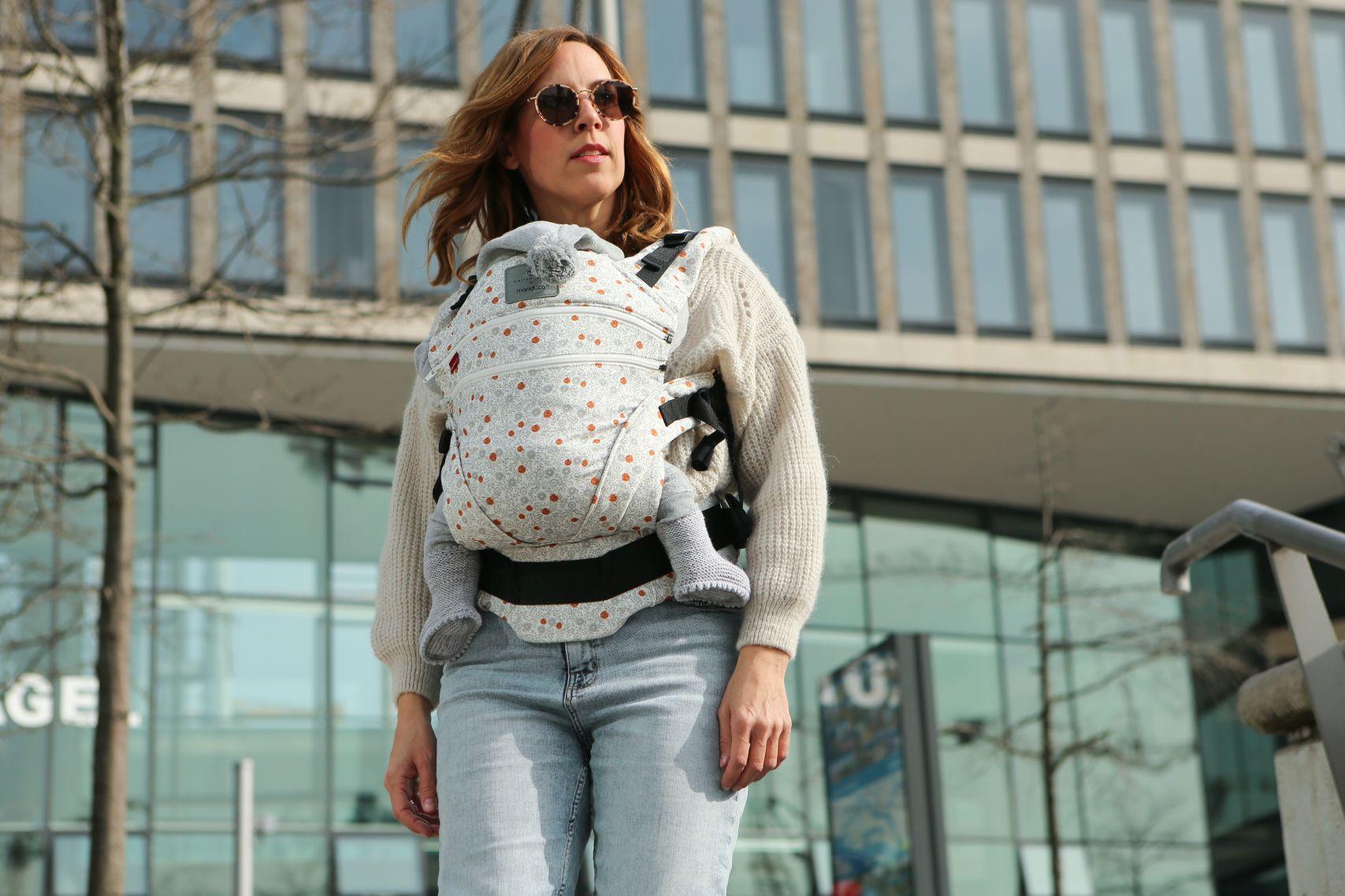 bellybutton by manduca XT SoftBlossom Babytrage in der Hafencity