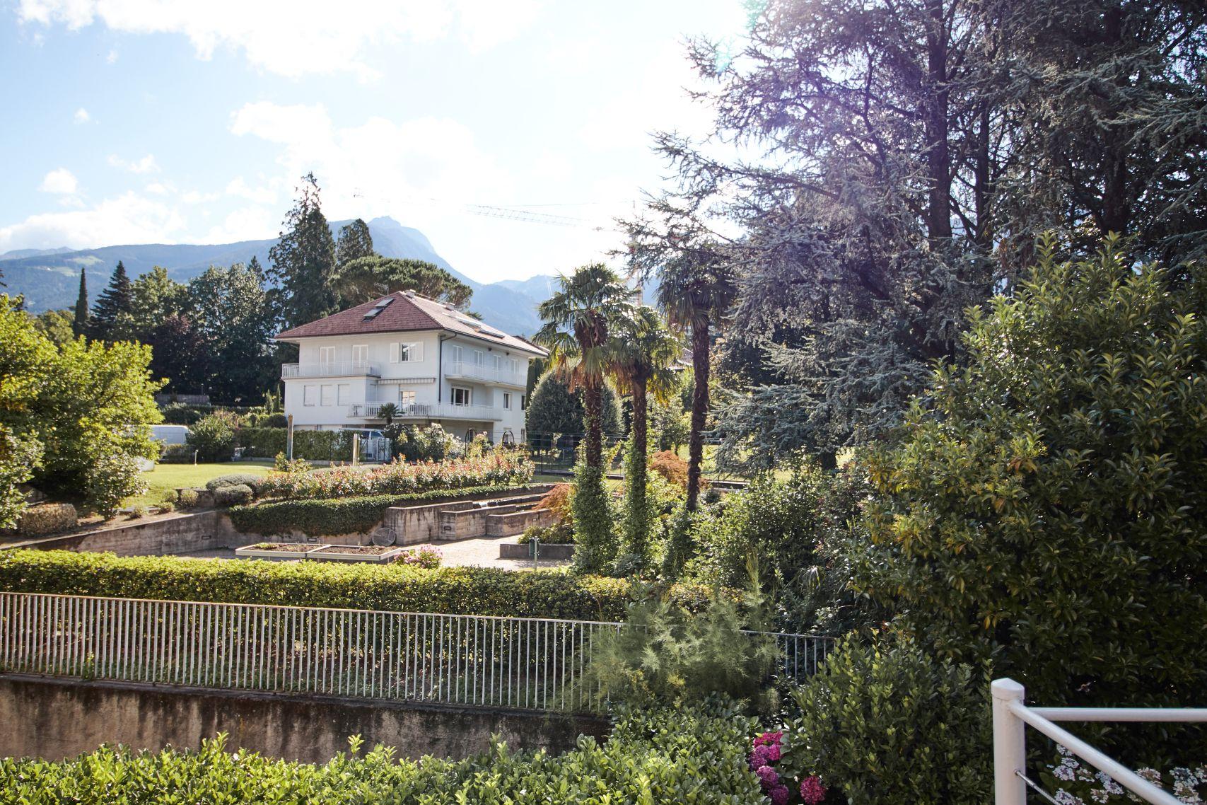 Ausblick von unserer Terrasse im Parkhotel Mignon Meran