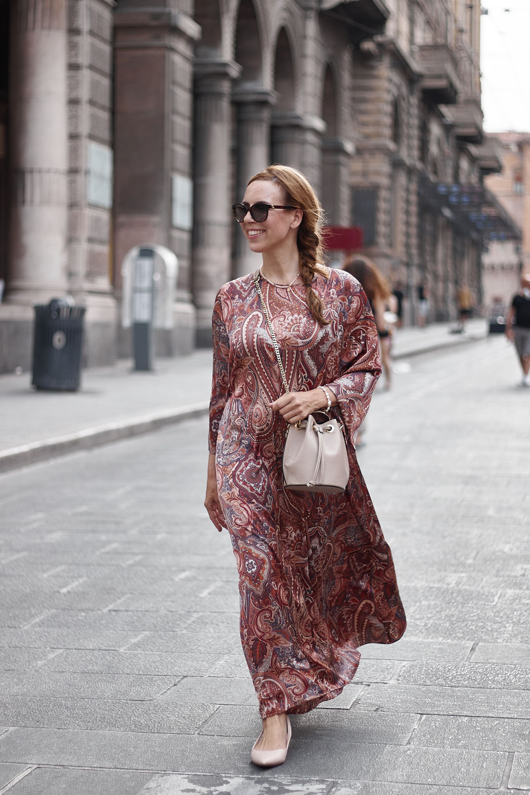 Settimo Cielo Bologna Kleid zu Ballerinas und Optiker Bode Sonnenbrille