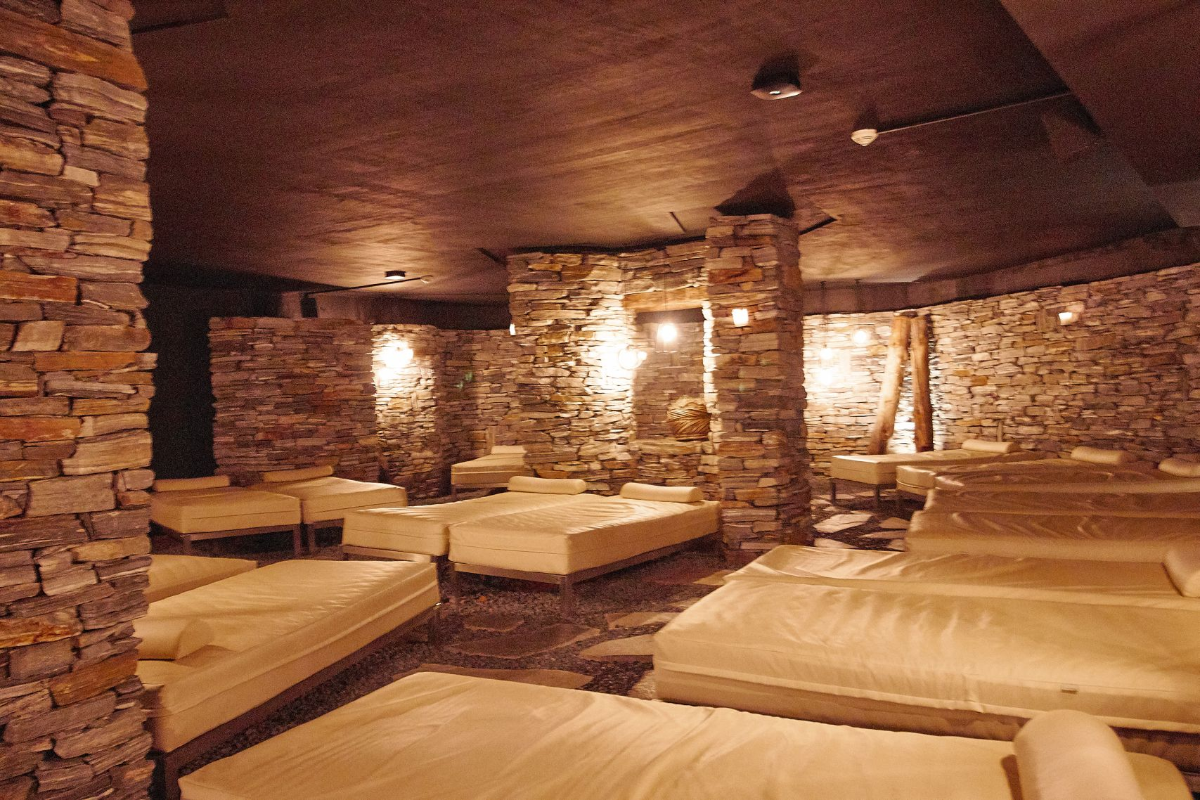 Schwefelgrotte im Bad Moos Dolomites Spa Resort in Sexten