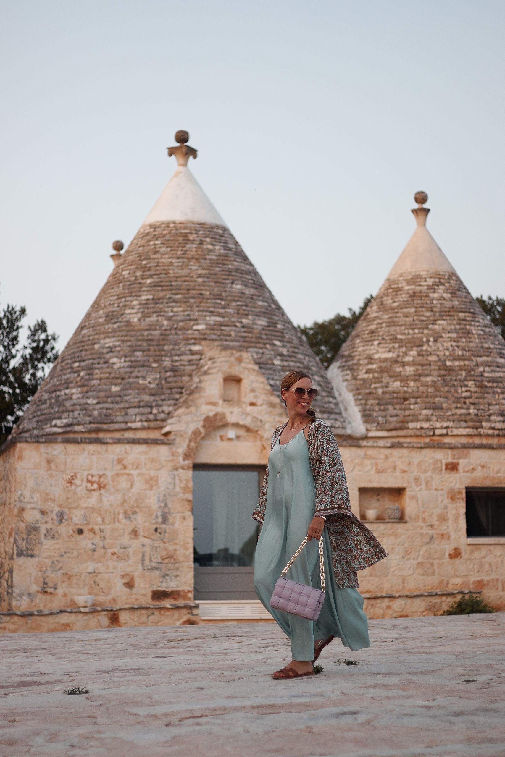 Kimono Style elegant kombiniert zum Seidenkleid in der Masseria Grieco
