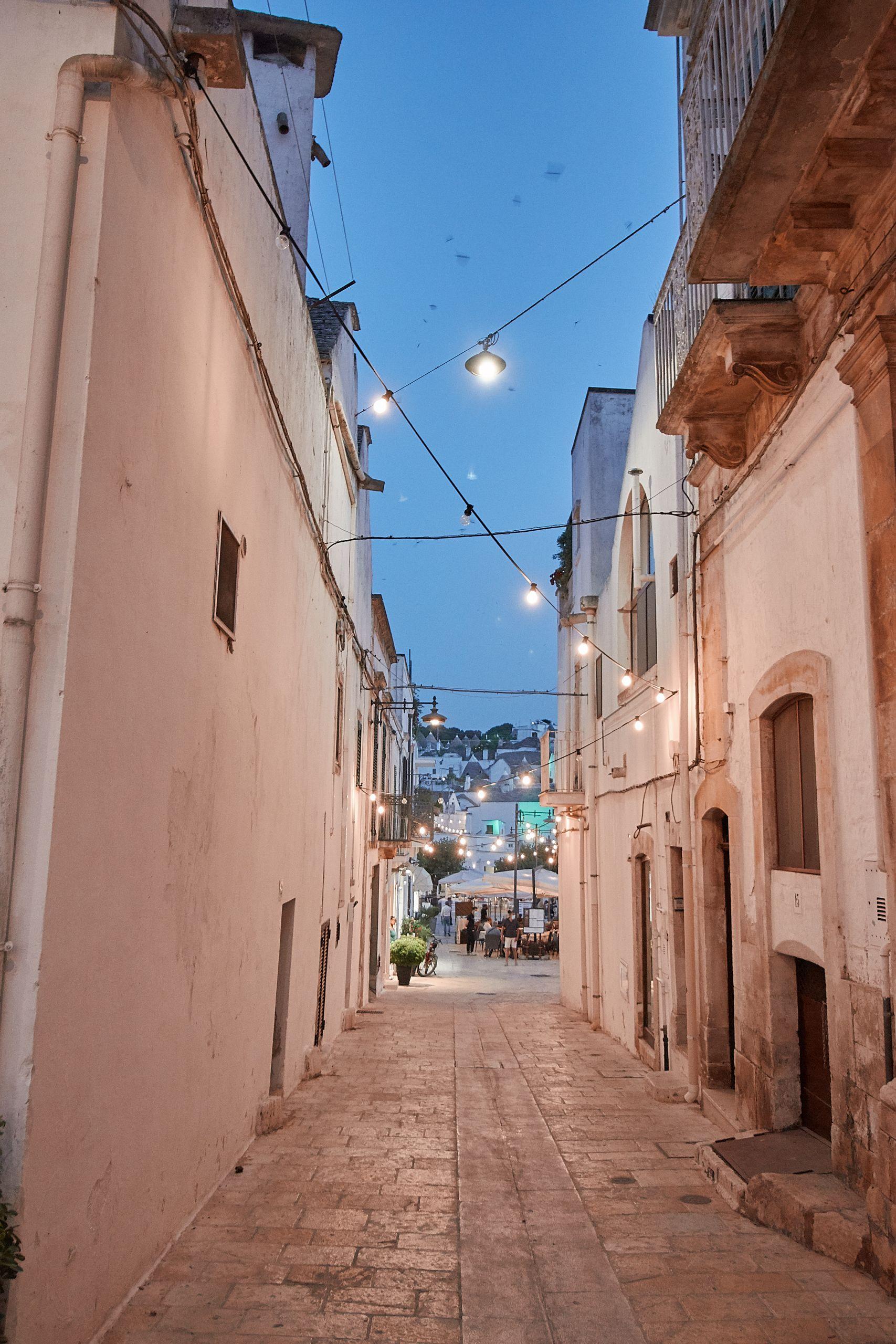 Alberobello mit seinen Trulli als Muss des Roadtrip Italien