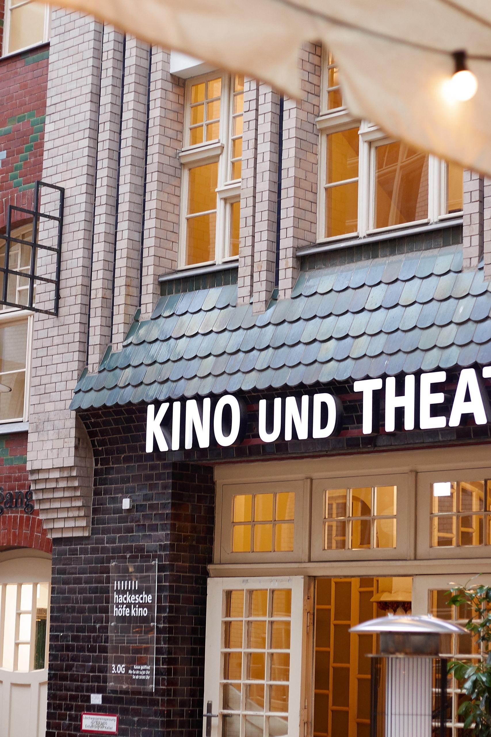 Ein Tag in Berlin im Kino Café und Restaurant Oxymoron in Berlin Mitte